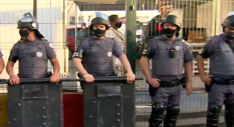 Polícia Militar atua em reintegração de posse em São Paulo