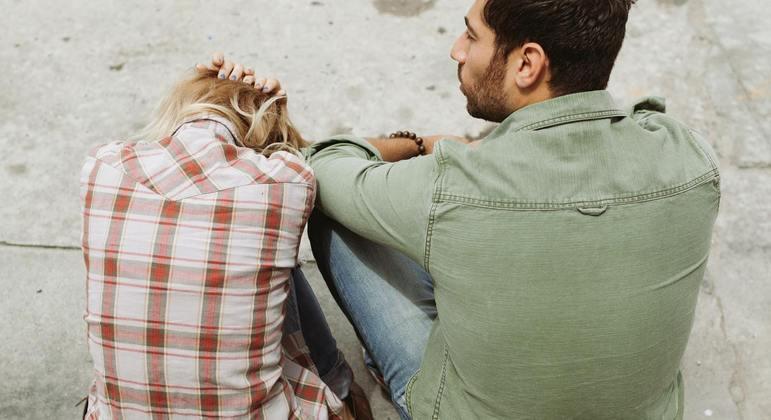 Relacionamento abusivo nem sempre tem violência física, mas sim emocional e psicológica
