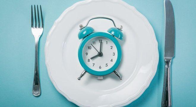 O segredo para o bom sono pode estar no que você come e em qual horário