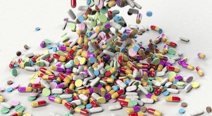 Venda de remédios controlados para dormir cresceu na pandemia no Brasil