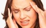Quais são os efeitos colaterais da pílula de emergência? Os efeitos mais comuns causados pela pílula de emergência, de acordo com Malavasi, são enjoo, possíveis sangramentos e dores de cabeça
