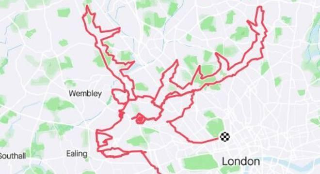Renan do Papai Noel desenhada em um trajeto pelas ruas de Londres, no Reino Unido