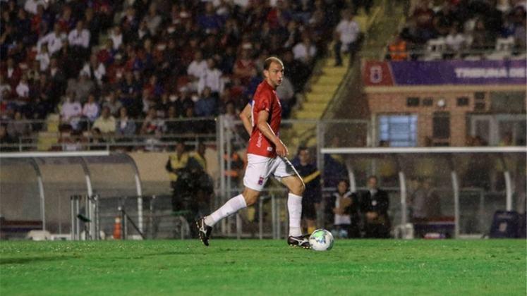 RENAN BRESSAN (Paraná) - É o camisa 10 do clube paranista, que está na ponta da competição. Marcou dois gols e deu três assistências