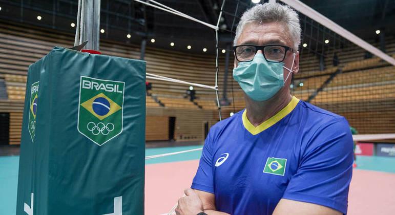 Renan Dal Zotto, que completa 61 anos nesta segunda, ficou 36 dias internado com covid