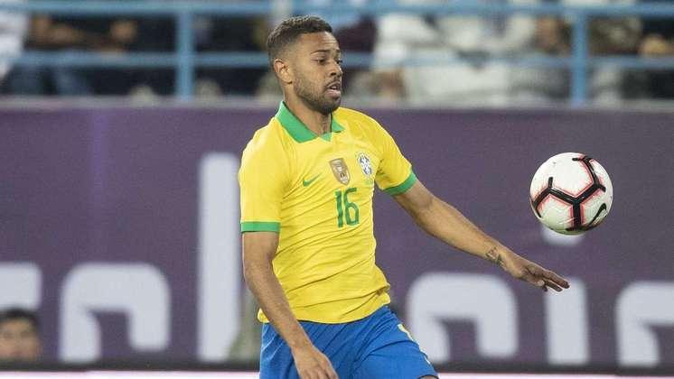 Renan Lodi – Apesar de ter tido boas atuações ao longo da competição, ficou marcado negativamente pelo erro que custou o gol da Argentina na final da Copa América.