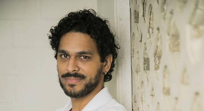 Renan Monteiro, cotado para ser Carlos Gomes