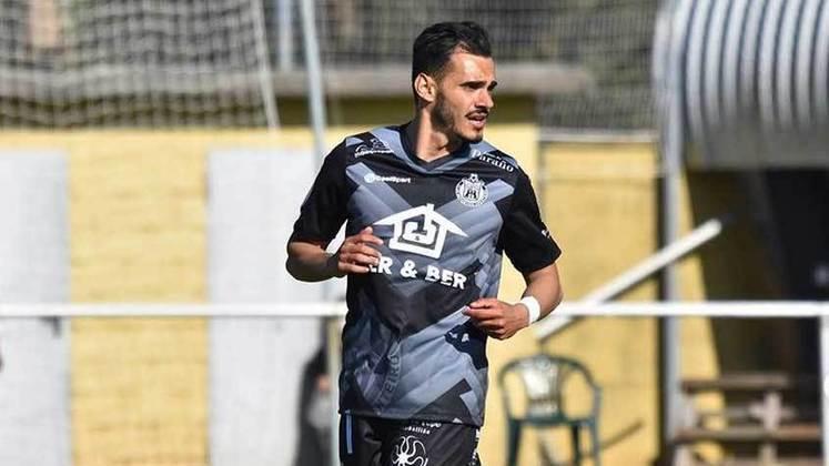 Renan Zanelli - O meia que era reserva no Audax de 2016 hoje defende o CD Arenteiro, da quarta divisão espanhola
