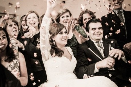Renata durante a cerimônia de casamento