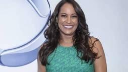 Renata Alves renova contrato com a __Record TV__ até 2022: 'Bela parceria' ()