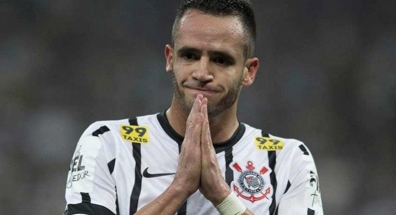 Renato Augusto rescindiu com a China. Segue sem clube. Diretoria do Corinthians não desiste
