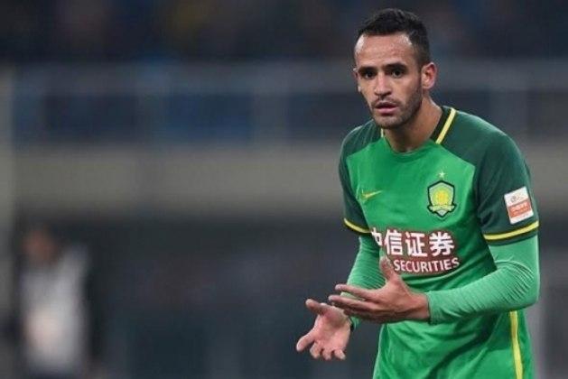 Renato Augusto - Cria das categorias de base do Flamengo, o meia de 33 anos está no último ano de contrato na China, o que poderia facilitar um retorno.