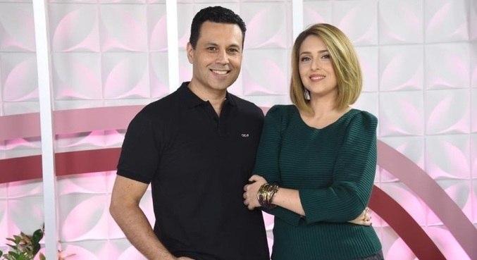 Renato e Cristiane Cardoso comandam o programa deste sábado (19) ao vivo