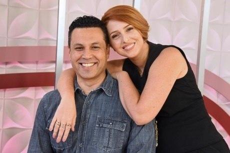 Renato e Cristiane Cardoso apresentam ao vivo o The Love School - Escola do Amor deste sábado (11)