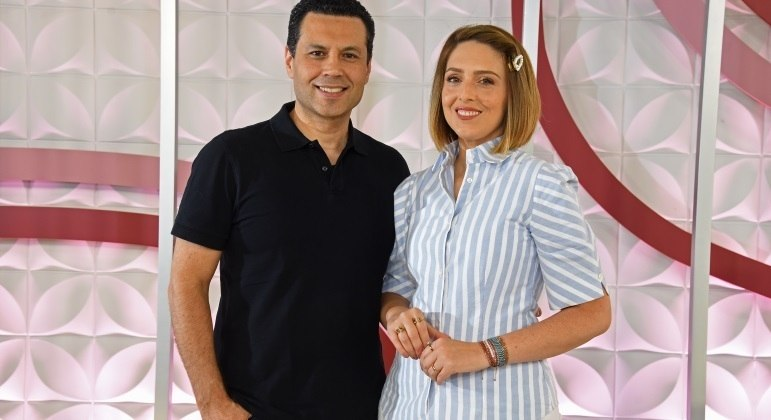 Renato e Cristiane Cardoso comandam ao vivo o The Love School - Escola do Amor deste sábado (16)