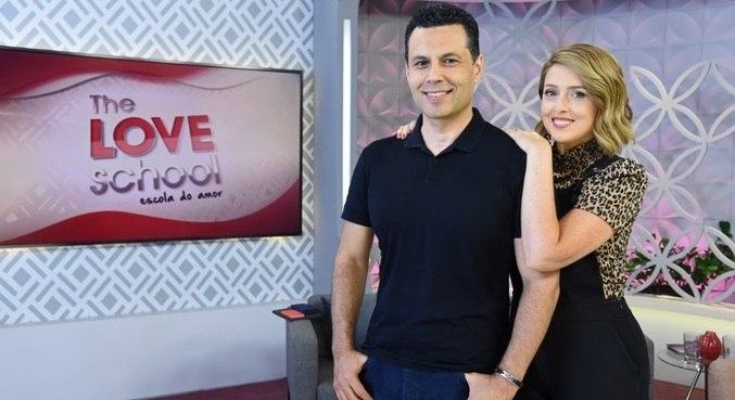 Renato e Cristiane Cardoso comandam o The Love School - Escola do Amor deste sábado (22)