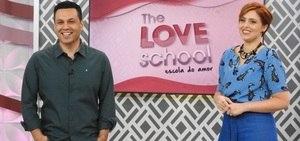 Professores aconselham casais que enfrentam dificuldades no casamento