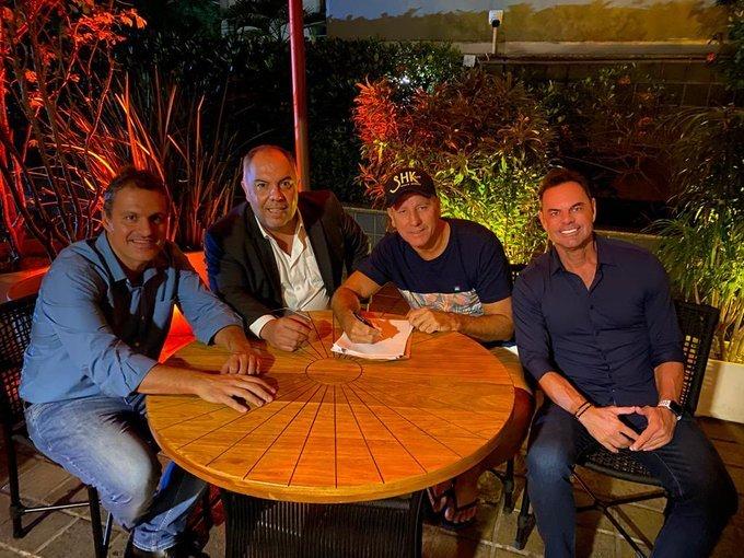 Renato Gaúcho assinou contrato. É o novo treinador do Flamengo
