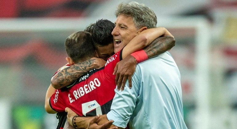 Renato Gaúcho fez questão de defender o seu grupo após a vitória na semifinal da Libertadores
