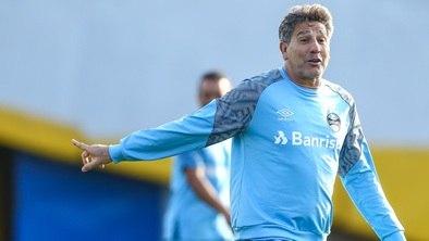 Grêmio treina na Argentina e Renato pode inovar no ataque 37e184cbe9889