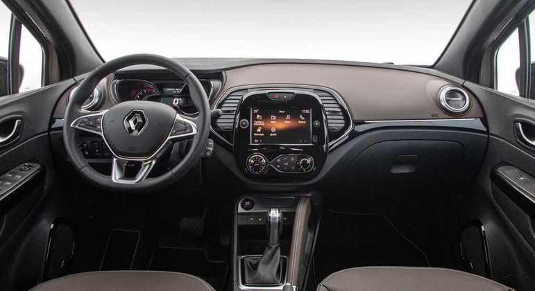 Central multimídia é nova e tem 8 polegadas e permite conectar com Apple CarPlay e Android Auto