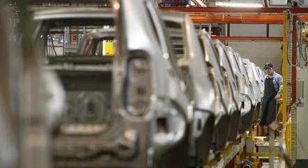 Falta de chips segue afetando o setor automotivo
