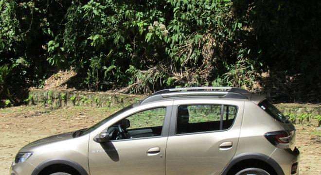 Renault Stepway traz suspensão mais alta e o legítimo câmbio CVT / Luiza Kreitlon / Agência AutoMotrix