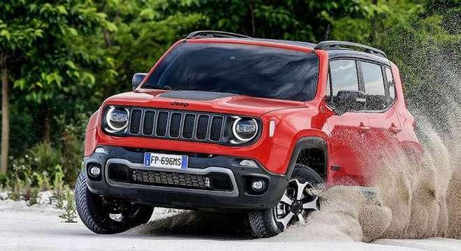 O Jeep Renegade passará por um pequeno facelift e ganhará (enfim), a motorização turbinada