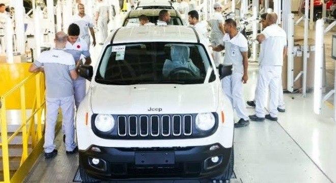 Linha de produção do Renegade em Goiana/PE, inaugurada meses antes do lançamento do SUV