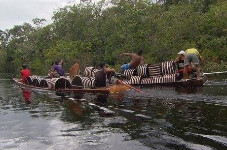 Indígenas ficam até 6 meses dentro da selva amazônica