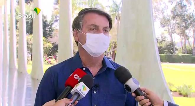 Além de Bolsonaro, covid-19 atingiu ministros e quase 30% dos governadores