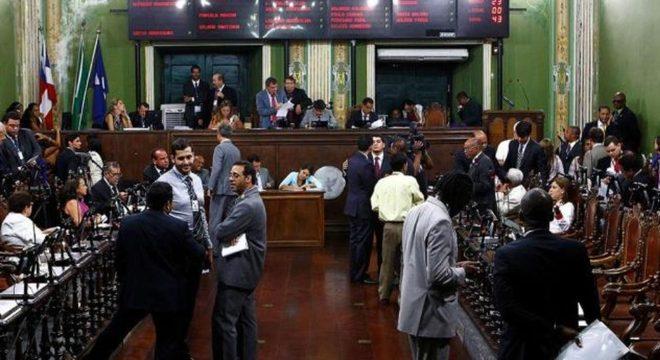 A proposta é de autoria do presidente da Casa Legislativa, Léo Prates (DEM)