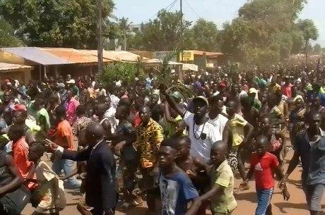 Pandemia de coronavírus já atinge mais de dois terços da África ...