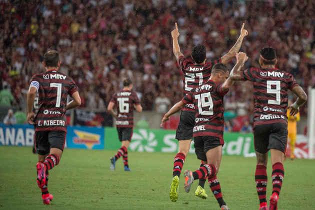 RESENDE 1x3 FLAMENGO - No reencontro da equipe principal rubro-negra com a torcida neste ano, o Flamengo mostrou que mantém seu poder de força. Mesmo após o Resende abrir o marcador, veio a reação em grande estilo: Gabigol, Bruno Henrique e o estreante Pedro.