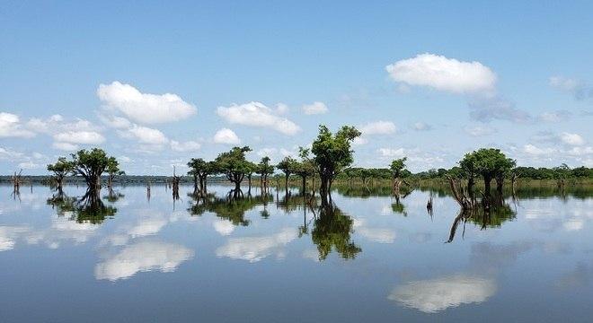 Brasil Aos poucos, o turismo ressurge na região amazônica do rio Uatumã, décadas após a construção de uma das hidrelétricas que mais prejudicaram o meio-ambiente no Brasil