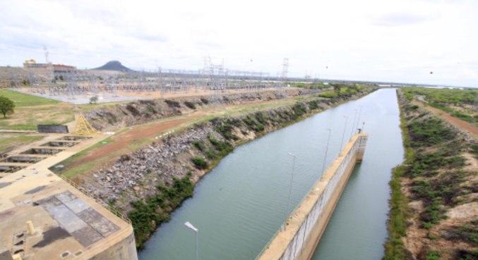 Usina Hidrelétrica de Sobradinho, com nível dos reservatórios em situação critica