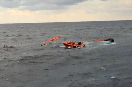 Resgate no Mediterrâneo após naufrágio de embarcação