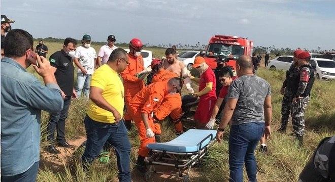 Bombeiros encontram jornalista Romano dos Anjos em região de mata