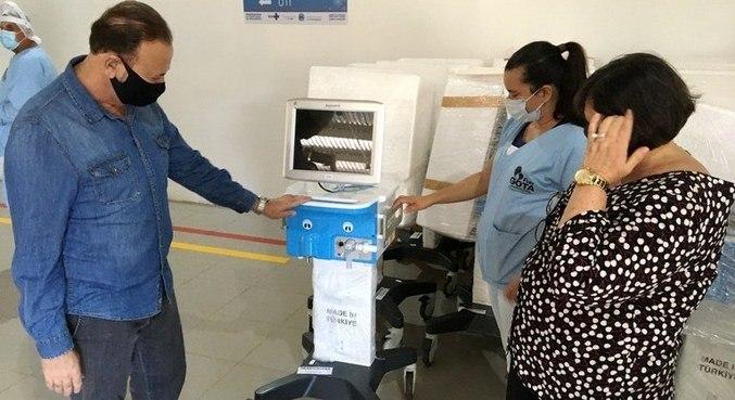 Prefeito de Araraquara, Edinho Silva (PT), recebe respiradores comprados em 2020