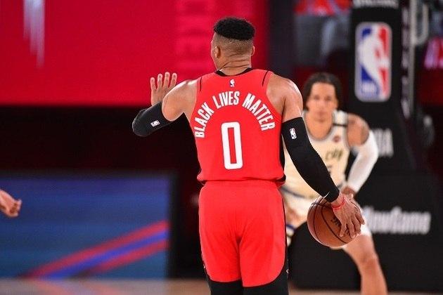 Responsável por virar o jogo no fim, o astro Russell Westbrook (Houston Rockets) obteve 31 pontos, oito assistências, seis rebotes, além de cinco desperdícios de bola no triunfo sobre o Milwaukee Bucks por 120 a 116. Westbrook também fez 31 pontos na vitória sobre o Dallas Mavericks, na última sexta-feira