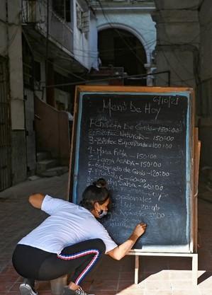 Restaurantes em Cuba reabrem com ajustes nos preços do cardápio