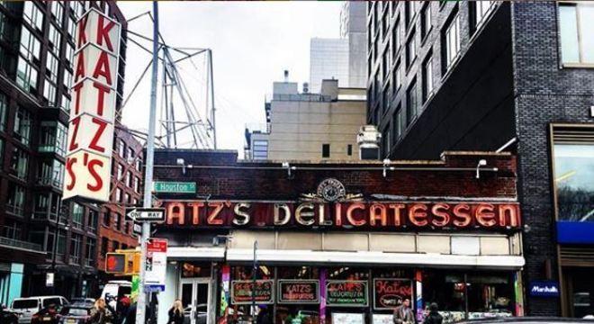 Restaurante Katz's Deli em Nova York