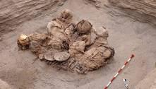 Arqueólogos encontram restos humanos de 800 anos no Peru