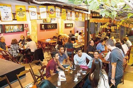 Bares e restaurantes estão fechados há 140 dias em BH