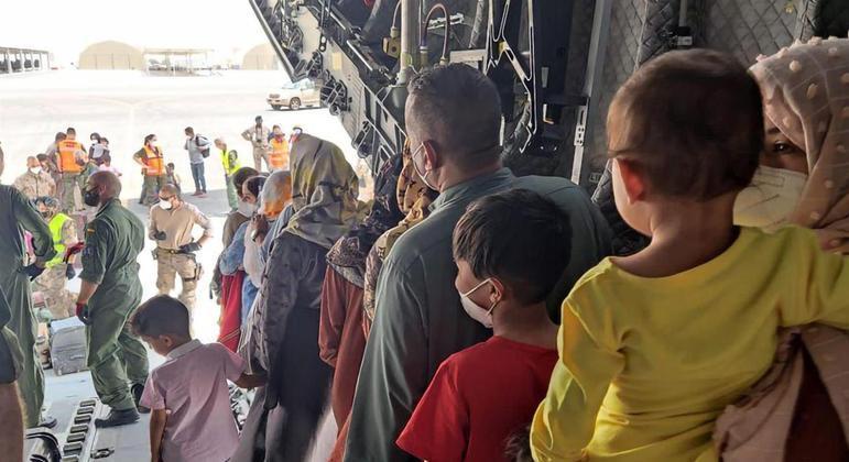Otan retirou mais de 18 mil pessoas a partir do aeroporto de Cabul, capital do Afeganistão