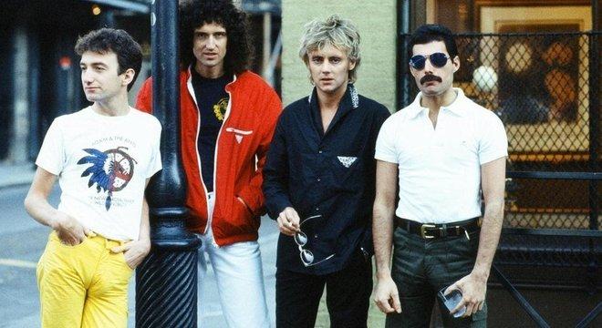 O  Queen permitiu que Mecury se expressasse com naturalidade, enquanto o nome da banda pode ser visto como uma alusão à sua identidade