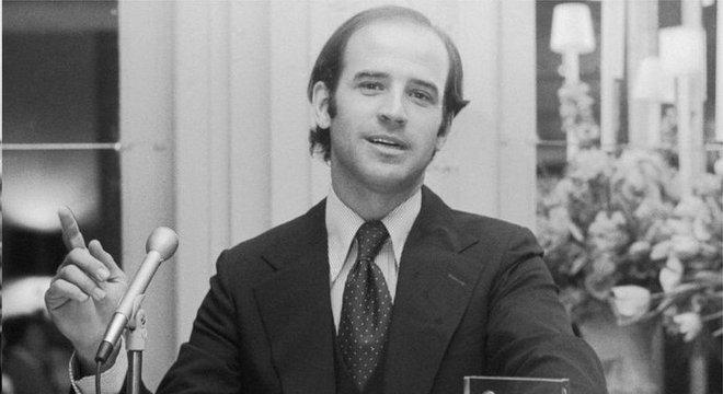 Biden se projetou nacionalmente ao se eleger como Senador ainda jovem