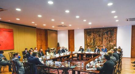 Na imagem, reunião da bancada com ministro