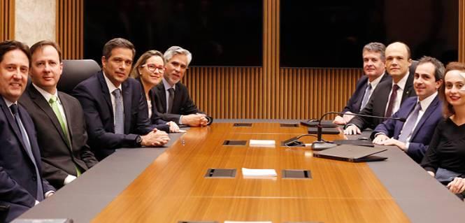 O presidente do Banco Central, Roberto Campos Neto, com os membros do Copom