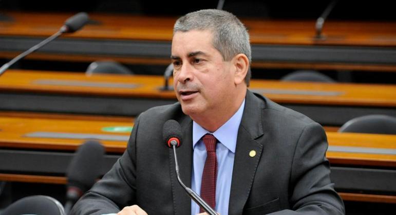 O deputado Coronel Tadeu: 'A imprensa leva informação de práticas sanitárias para a disseminação do vírus e, ainda, combate a desinformação'