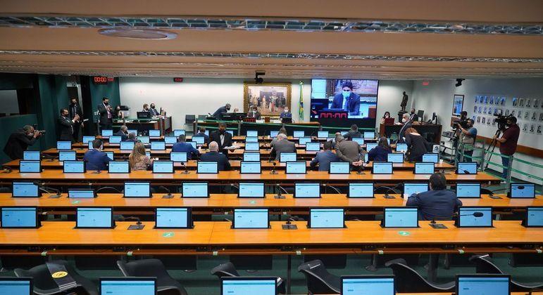 Sabemos da responsabilidade que é dirigir o Conselho de Ética da Câmara dos Deputados,  diz Paulo Azi